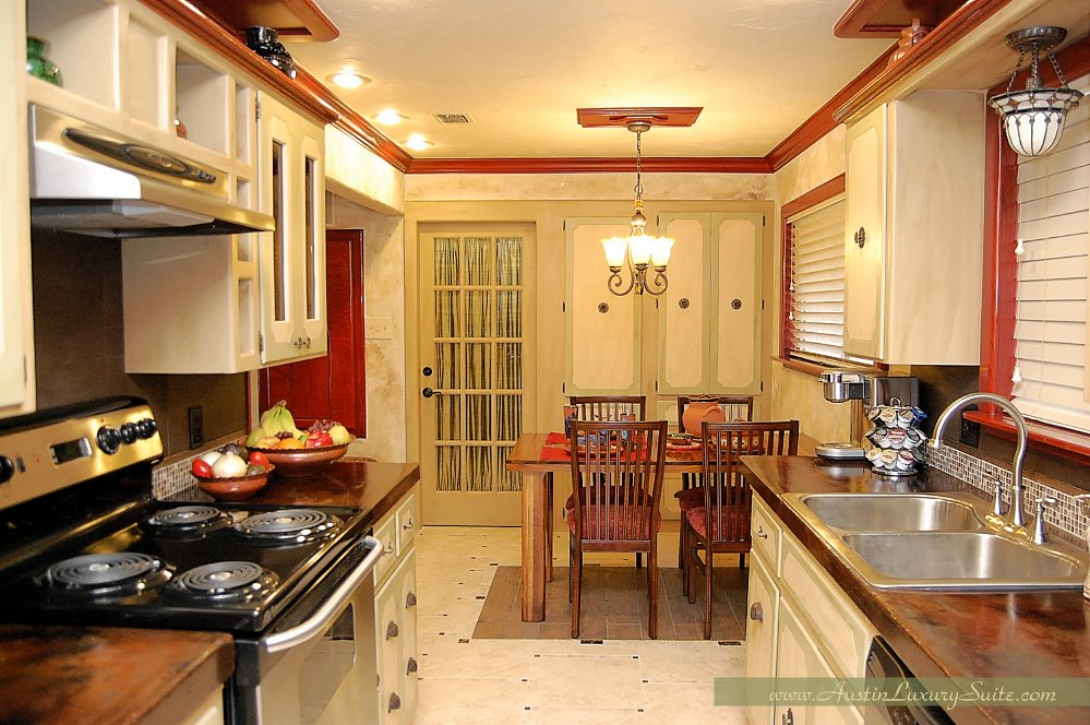 A full kitchen outfitted to cook up your own masterpieces.